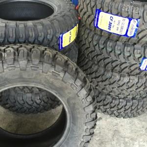 265 65 R17 Comforser Mud Tires Bnew