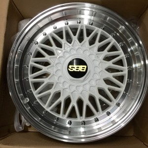 17″ BBS RS 1028 White Bnew Mags(4H-PCD100-114)