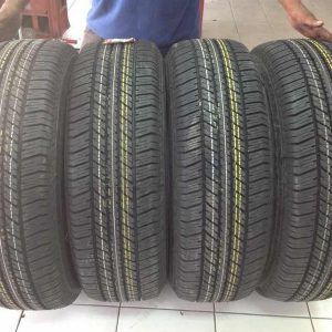 265 60 R18 Bridgestone Dueller HT Bnew Tires