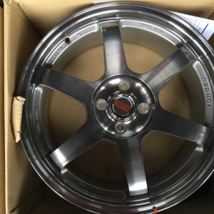 17″ TE37 YAR10 Silver Gray Bnew Mags(4H-PCD100)