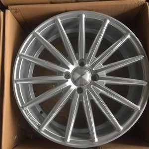 17″ Vossen Jh3087 Silver staggered bnew mags(4H-PCD100)