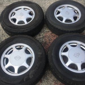 14 Nissan urvan mags with 195R14 Tires
