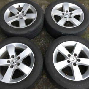 16″ Civic FD mags with thick 205.55.r16  goodyear tires