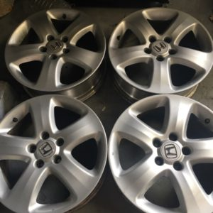 17 CRV 5wide spoke mags stocks 5h pcd 114 used