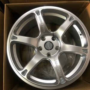 18″ Dura Lm102 Silver mags 5holes pcd 114