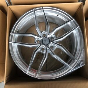 18″ Dcenti STW553 Silver 5holes pcd 114