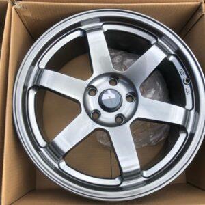 18″ AV06 TE37 RT  hyperblack 5Holes pcd 114 bnew magwheels