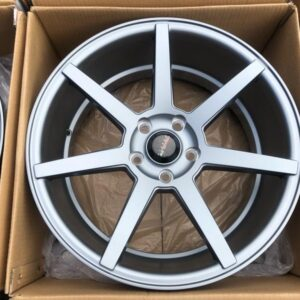 18″ Clutch Gunmetal 5Holes pcd 114 bnew magwheels