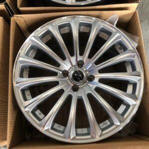 17 L223 Magwheels 4Holes pcd 100 Silver color