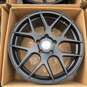 17 AV30 Magwheels 5Holes pcd 114 bnew