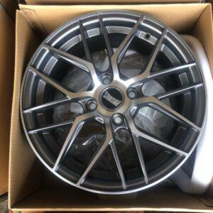15″ Rhinos Stw555s Mags 4Holes PCD 100 Gray polish