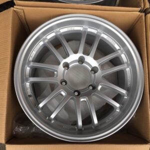 18″ RE30 Silver code R19 Magwheels 6Holes PCD 139 Bnew