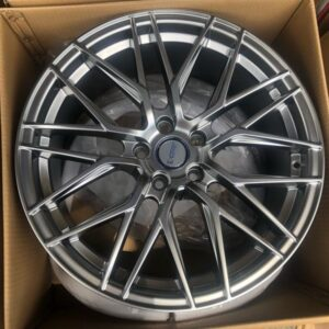 18″ Dcenti Mesh STW555 Hyperblack mags 5holes pcd 108 Focus or Volvo