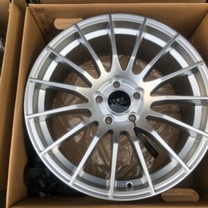 18″ Extreme wheels DXW017 Silver Mags 5Holes pcd 114 Bnew