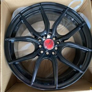 18″ Gramlights 57FXX Black design 5Holes pcd 100-114 bnew