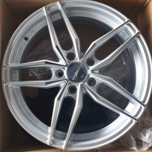 17″ Concept One Traction silver Magwheels 5Holes pcd 114 Bnew code IFG37
