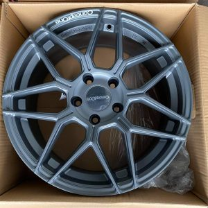17″ Exclusive Concept One Mags Gray 5Holes pcd 114 Bnew