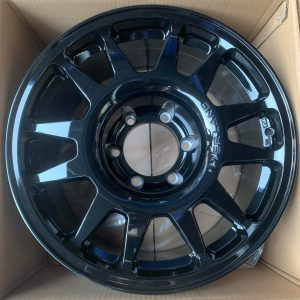 17″ Overland Renegade Black Mags 6Holes pcd 139 bnew