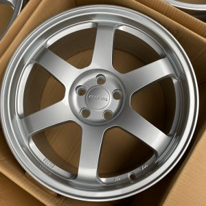 17″ Rota Grid2 Mags 5Holes pcd 100 fit altis and subaru silver color bnew orig
